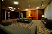 ホテル宴会場 待合スペース「ホワイエ」