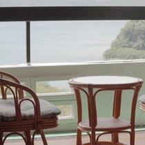 *客室一例、景観自慢の客室でゆったりとお寛ぎください。