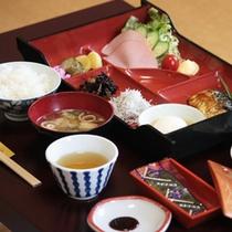 *朝食一例、朝は体にやさしい和食メインのメニューで体の内側からも活力を☆