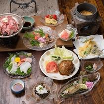 *夕食一例(グレードアッププラン)/黒毛和牛のほか、地元の食材を囲炉裏のお食事処でどうぞ