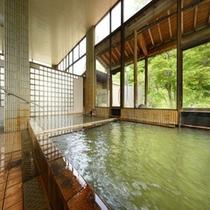 【 内湯(女性側) 】 女性側の温泉からは渓谷が綺麗に見えます♪