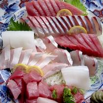 旬の魚介をお造りでどうぞ!新鮮なものばかりだから抜群の美味しさです♪