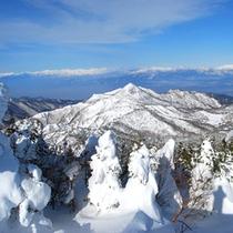 *冬の雪山<樹氷>