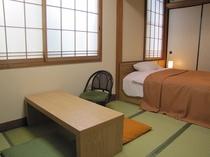 和室(セミダブルベッド)