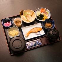 *【ご朝食一例】ほかほかご飯とおかずの和定食をご用意いたします。