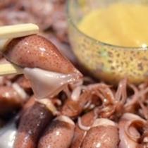 ホタルイカのボイルは酢味噌をつけて。