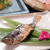 *【ご夕食一例(お魚料理)】川魚を中心にご用意しております。