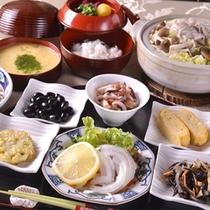 【ご夕食例】おばんざいは、ひと手間かけて、日替わりの4品をご用意!