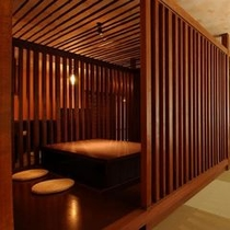 和風ダイニング「瀧川」の落着いた個室席