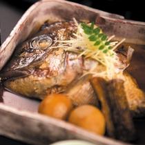 季節のお料理★サン柳亭のお味〜人気鯛兜煮