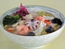 広東麺 海の幸(レストランメニュー)