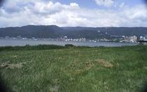 諏訪湖のほとり