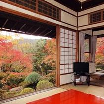 **本館「華清」紅葉の季節には景色が綺麗な、一番人気のお部屋です。