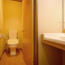 *リニューアルしたトイレ・洗面付き客室で快適な滞在を♪