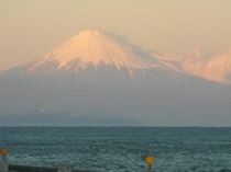 前面駐車場からの富士山