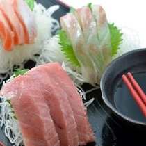色鮮やかな食材をふんだんに使用しご用意しております。旬の食材をお愉しみ下さい。