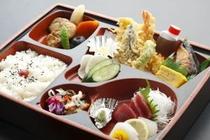 幕の内弁当2000円