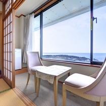 *【和室/別館海側】部屋からも美しい三浦半島の海をご覧いただけます。