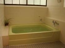 家族そろってゆっくり楽しめる温泉風呂