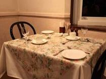 朝のテーブルセット