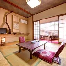 *和室6畳(客室一例)/グループやファミリーにおすすめ!畳の香りがほのかに薫るお部屋でお寛ぎ下さい。