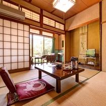 *和室4.5畳(客室一例)/一人旅やビジネスに◎昔ながらの和の風情漂うお部屋でのんびりお寛ぎ下さい。