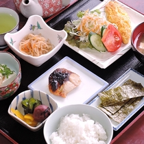 *【朝食一例】朝からしっかりとお召し上がりください