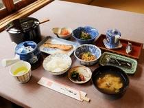 【料理】朝食:料理旅館のほっこり美味しい和定食