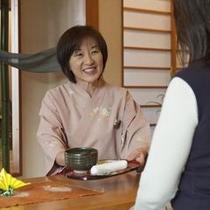 抹茶と和菓子で、まずは一息。。