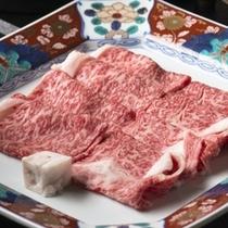 【霜降りの美しい蔵王牛】すきやきorしゃぶしゃぶでご賞味ください