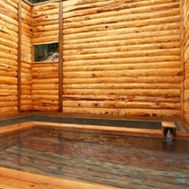 【露天風呂〜花鳥風月〜】森の中で空を見上げる四季を感じる露天風呂。源泉掛け流しの天然温泉