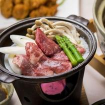 【夕食】蔵王牛陶板焼き例。蔵王の寒暖差の激しい気候で育った味わい深い牛肉をお好みの焼き加減で♪