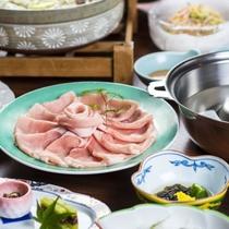 【夕食】国産豚のしゃぶしゃぶ例。豚肉のヘルシーな美味しさをご堪能ください!