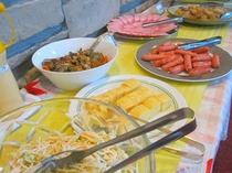 ■朝食:和洋15種メニューのバイキングは無料サービス♪