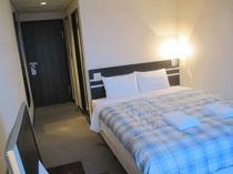 ■客室:ダブルルーム・ベッド幅はクイーンサイズ160cm幅とゆったりサイズ