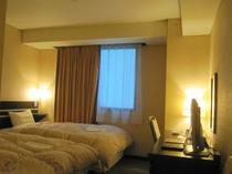 ■客室:ツインルームは20平米・全室サータ社製マットレス仕様