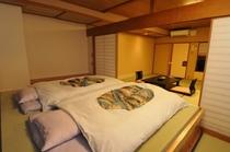 【禁煙】和室12.5畳+ステージベッド バス・トイレ付 瑞雲館