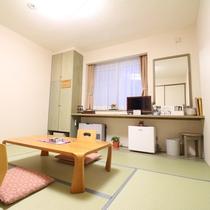 *【部屋・和室】調度品にもこだわっており、純和風の中にも斬新な雰囲気を作り出しています。