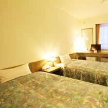 *【部屋・洋室】ヘルスウッド使用のベッドで旅の疲れも癒せます。