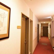 *【館内】当館は1階が和室、2階が洋室のお部屋となっております。