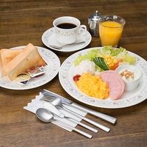 *【朝食1】スタンダードな洋朝食をご用意。コーヒーで目覚めもスッキリ♪