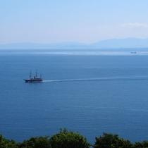 海側客室の眺望一例。天気の良い日はバルコニーから見えるオーシャンビューに感動♪