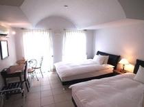 スイートツイン寝室(301号室)