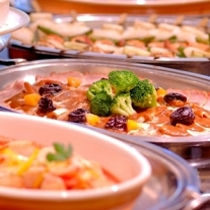 【朝食バイキング】和食派も朝食派も満足のメニュー♪しかも無料なんです!