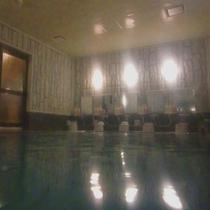 【大浴場】足を伸ばしてゆ〜ったりと。ラジウム人工温泉で疲れも取れますよ♪