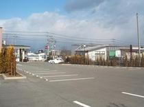【広々駐車場】西那須野・第2西那須野あわせて約200台分の駐車スペースをご用意。お車に最適♪