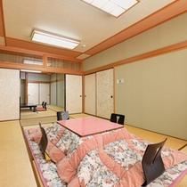 *大部屋(客室一例)/グループや大家族でのご宿泊に◎ごゆっくりお寛ぎ下さい。