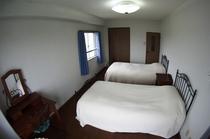 ベッドルーム(上階)