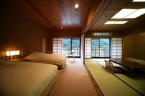 2階和洋室 ベッド&和室