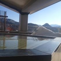 澄んだ空と山2